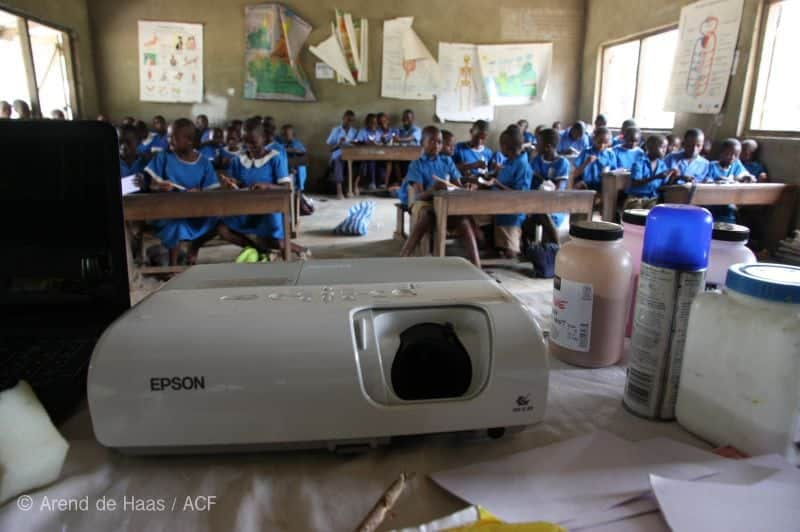 projector-used-for-wildlife-films-in-schools