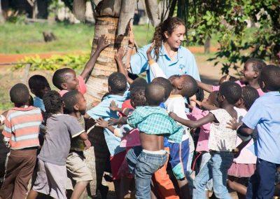 volunteer-education-schoolchildren